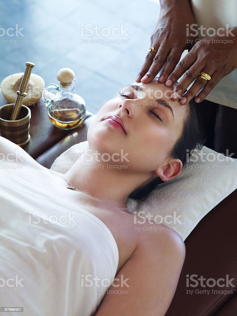 Woman getting spa treatment royalty free stockfoto