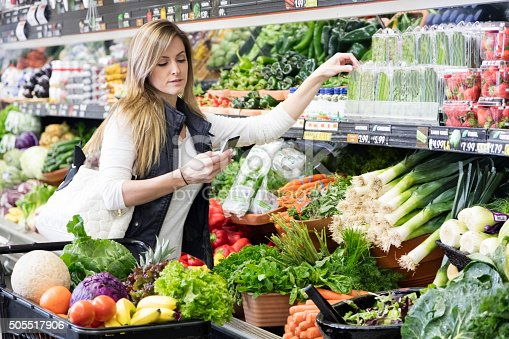istock Woman Grocery Shopping 505517906