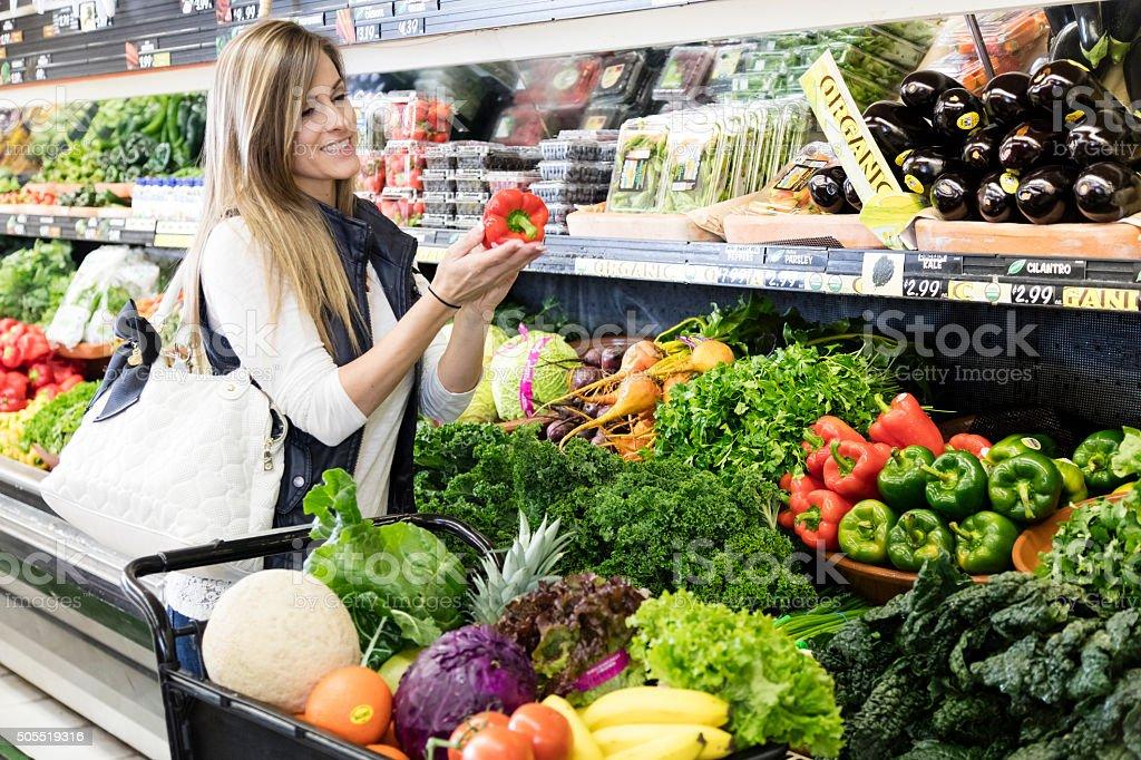 Frau Lebensmittel-Einkaufsservice – Foto