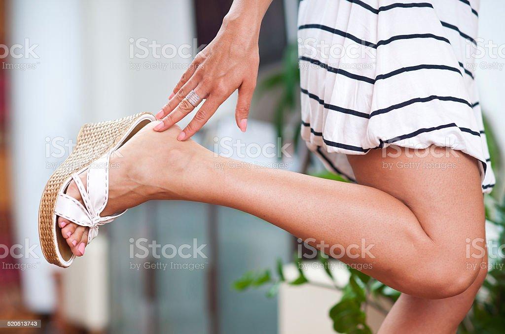 Mujer manos y pies - foto de stock