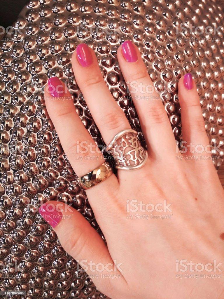 Mujer Mano Coral Rosa Manicura Gel Esmalte De Uñas Muestra