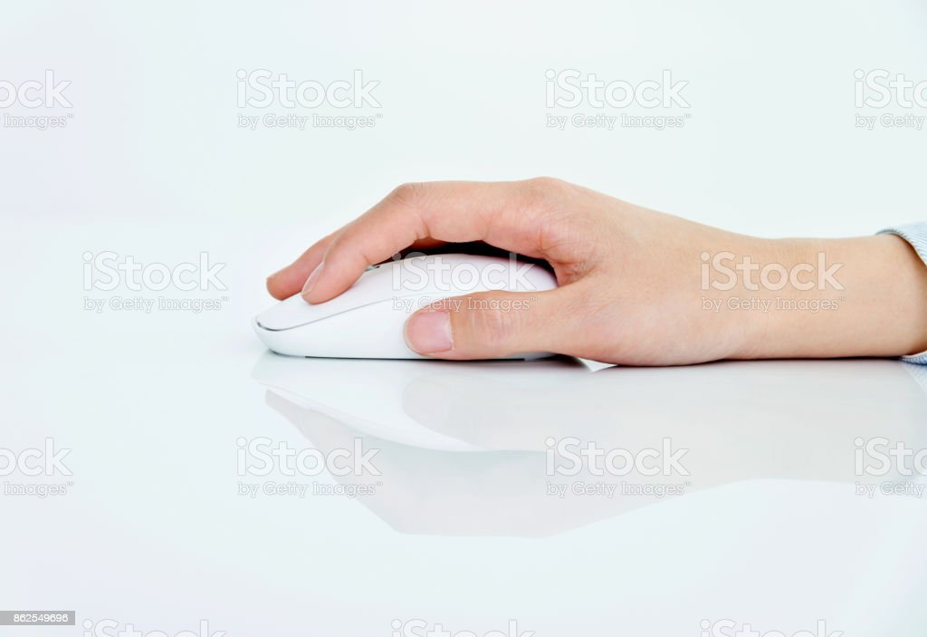 Frau Hand mit der Maus – Foto