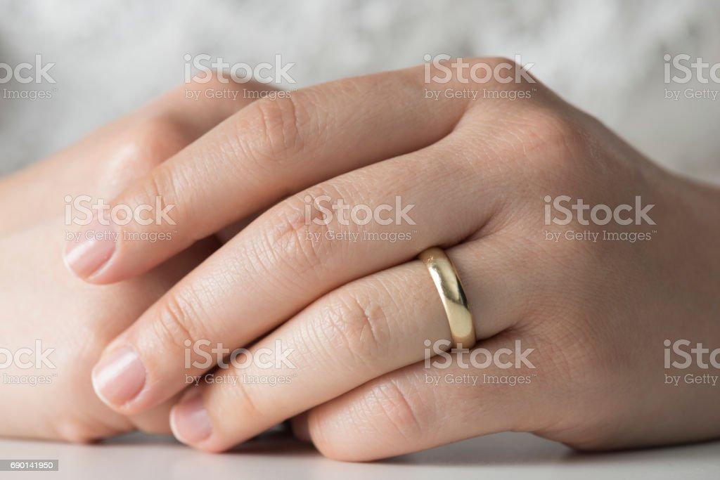 Ring Finger Bilder Und Stockfotos Istock