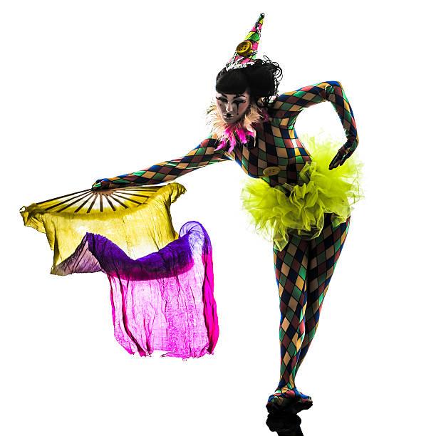 Bailarín artista de circo mujer de silueta arlequín - foto de stock