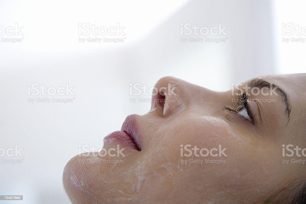 Woman having chemical peel foto de stock royalty-free