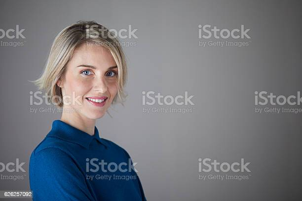 Woman headshot looking at camera picture id626257092?b=1&k=6&m=626257092&s=612x612&h=izmlkrhm2iwnvaio8ug6jtubzfigooxbveqoj1awss8=