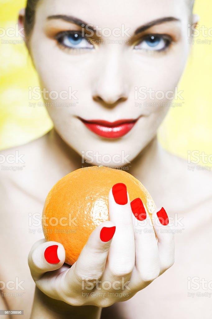 여자 쥠 주황색 온주귤 감귤류 과일 royalty-free 스톡 사진