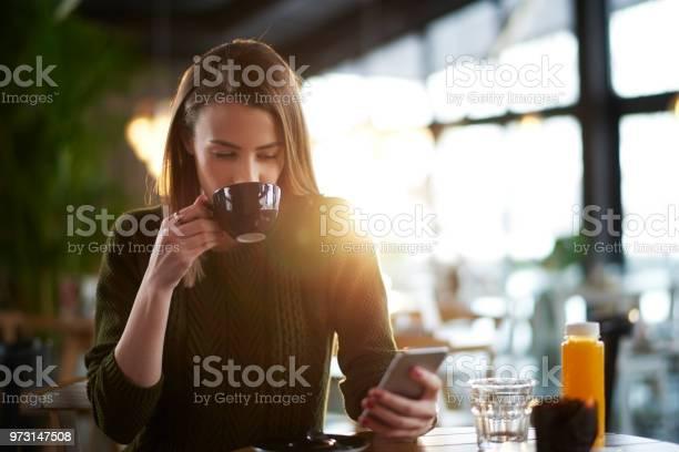 Woman in coffee shop picture id973147508?b=1&k=6&m=973147508&s=612x612&h=tluhop3y9utcayz3rsp efuvveyolpdwo13nbkq9fzq=