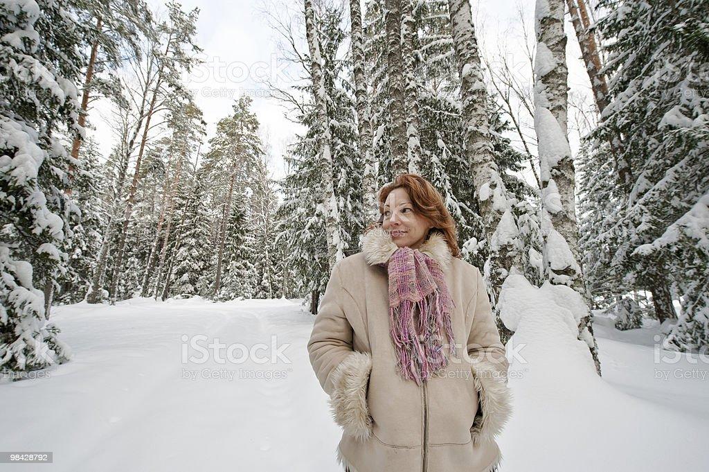 Donna nella foresta foto stock royalty-free
