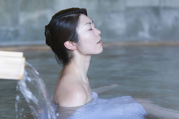 woman in hot spring - japanese bath woman bildbanksfoton och bilder