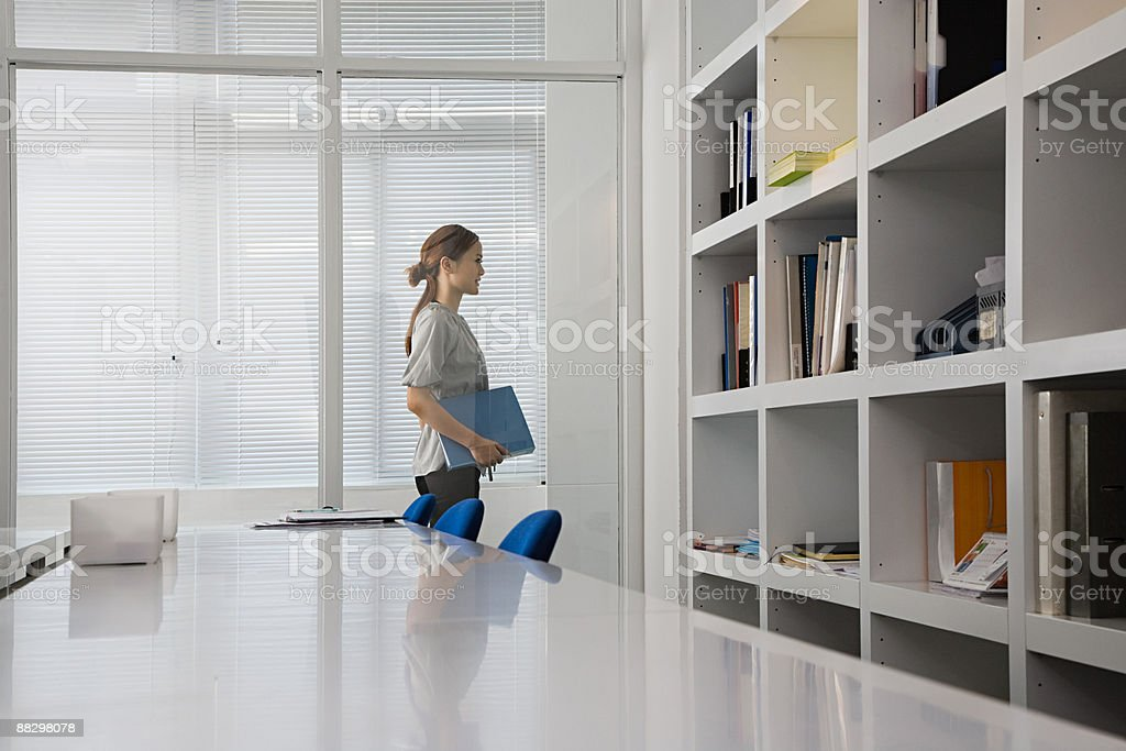 Woman in office 免版稅 stock photo