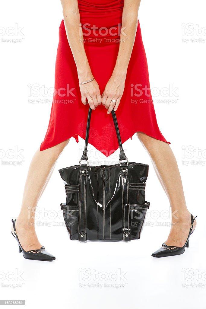 Vestido rojo bolso negro