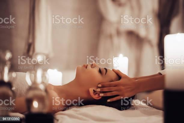 Woman in spa salon picture id941310350?b=1&k=6&m=941310350&s=612x612&h=cbaa1f8klcjsgrirfhxox 12o8dqhplwgudle4sli5q=