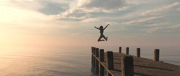 Mujer salto  - foto de stock