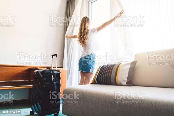 Woman looking through the window picture id1006174982?b=1&k=6&m=1006174982&s=612x612&h=iywbfc imfgqrxlvwgo2dehrb8gvvetrzm2xnq77kue=