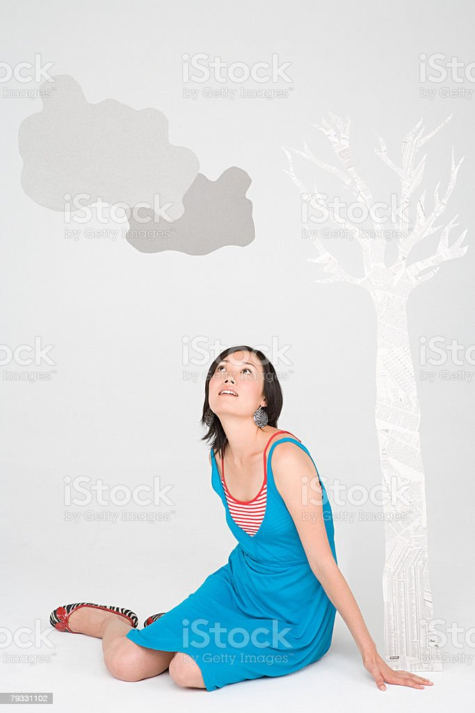 A woman looking up 免版稅 stock photo