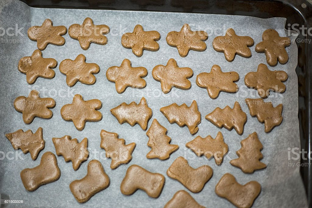 Woman make ginger bread for Christmas. Natural Colors. Real life Lizenzfreies stock-foto