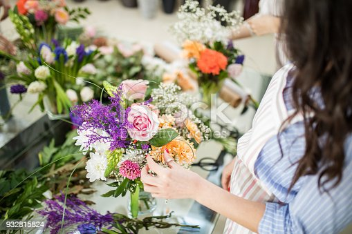 Learning flower arranging, making beautiful bouquets with your own hands