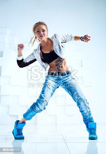 istock Woman modern dancer 869488772