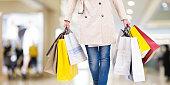 女性のショッピング