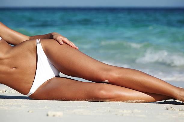 Woman on beach foto