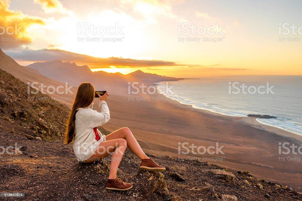 Donna fotografare isola di Fuerteventura - foto stock