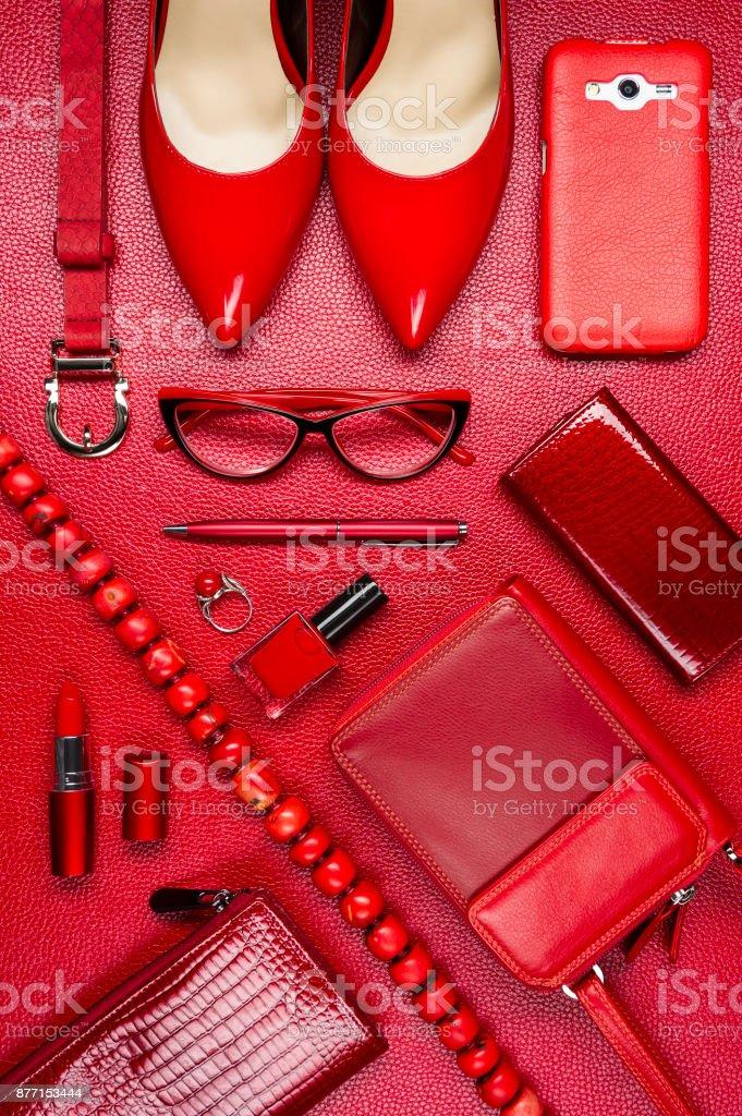 Frau roten Accessoires – Foto