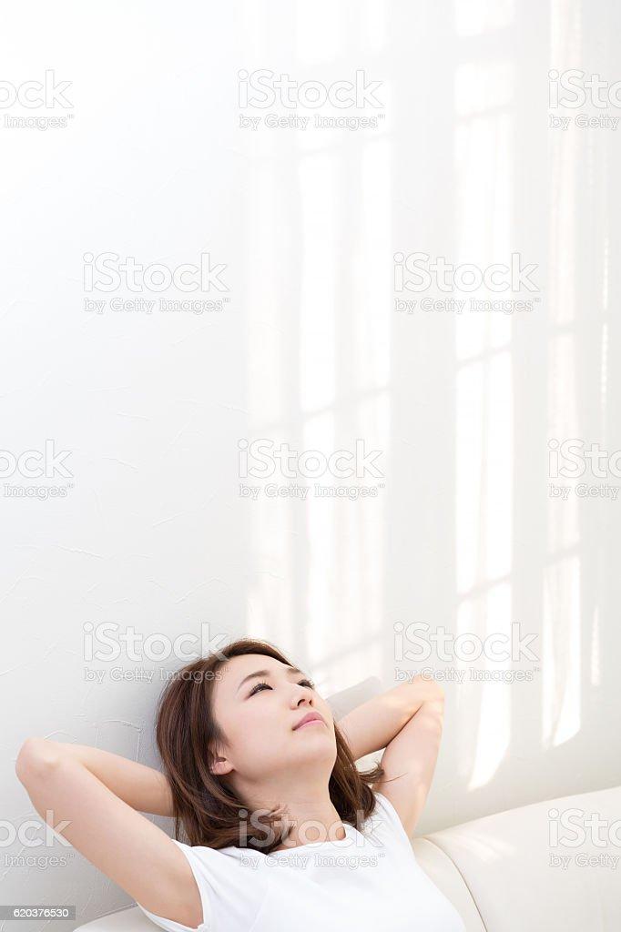 Mulher relaxante foto de stock royalty-free