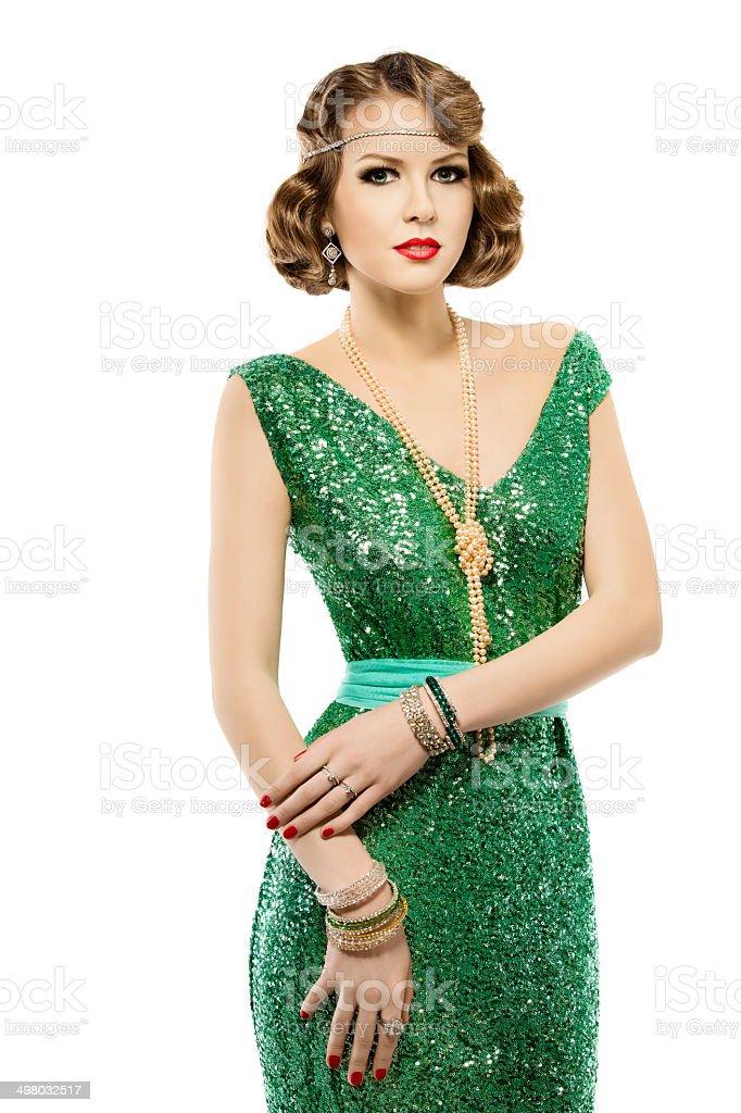 6e67245ab411 Moda Ritratto Di Donna Retrò Luminoso Abito In Paillette Un Elegante ...
