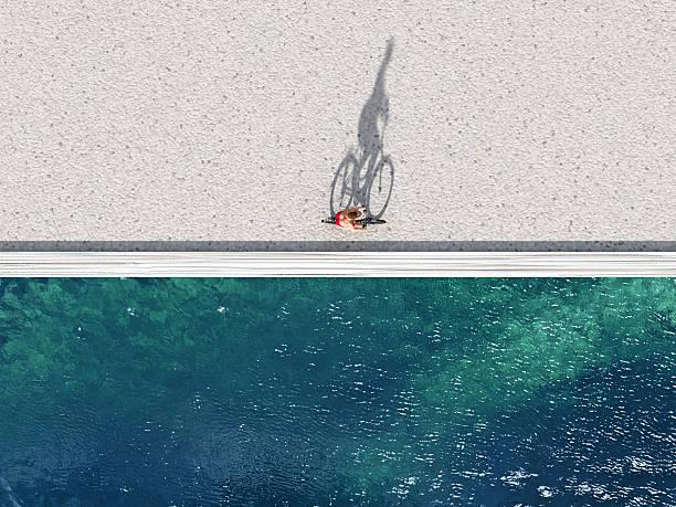 Frau Reiten auf Fahrrad auf Sommer Strand – Foto