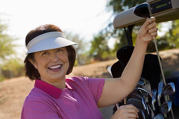 femme golfeuse recherche)