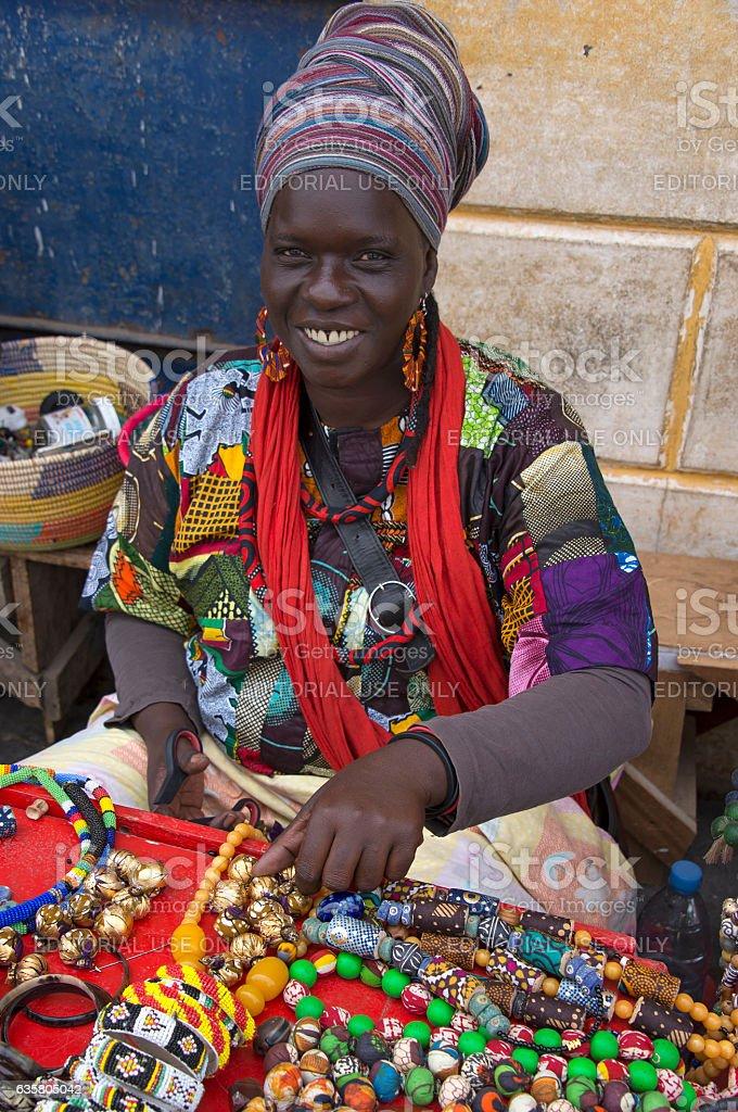 Woman selling handicrafts in Saint Louis - foto de stock