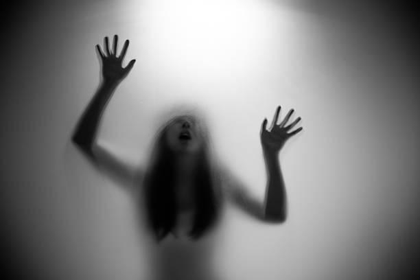 Woman silhouette picture id526232775?b=1&k=6&m=526232775&s=612x612&w=0&h=w5e9plmbjkmjli4v7ar aaix1zdoosbgipta5z4tc6c=