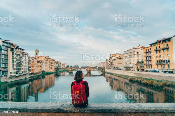 Woman sitting on ponte veccio and looking at view picture id893687604?b=1&k=6&m=893687604&s=612x612&h=ivlbihdbvzzkyuokcduv w kfcmh9h5lqrrs 0ej9ba=