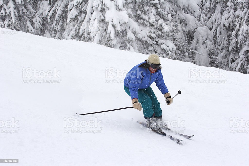 woman skiing royalty free stockfoto