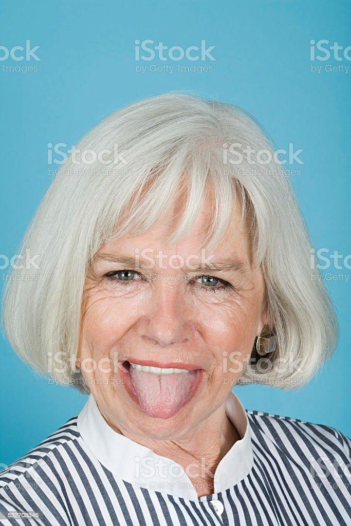Frau Zunge herausstrecken – Foto