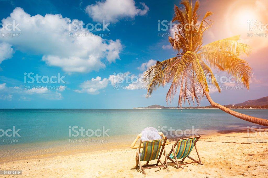 Mujer desnuda tomando el sol en playas galleries 111