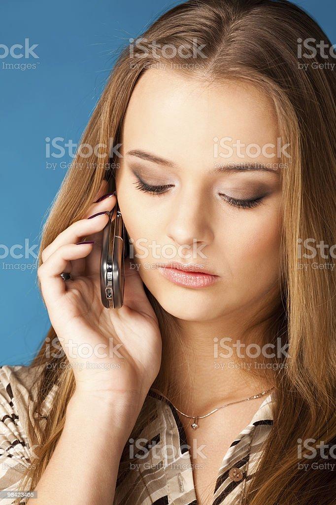 Donna parlando sul cellulare foto stock royalty-free