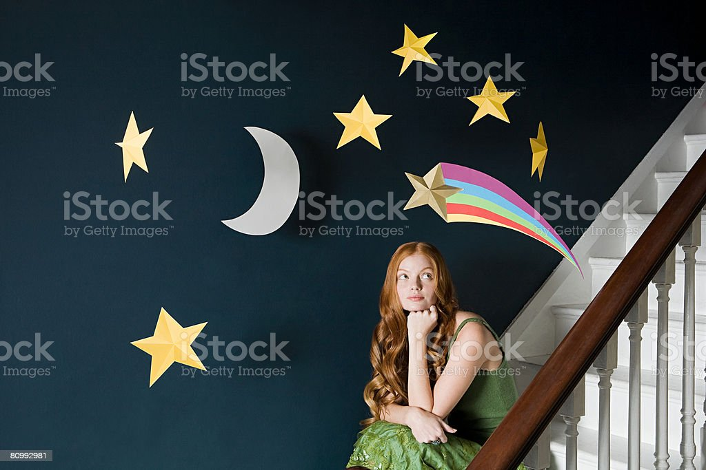 Uma mulher Pensando foto de stock royalty-free