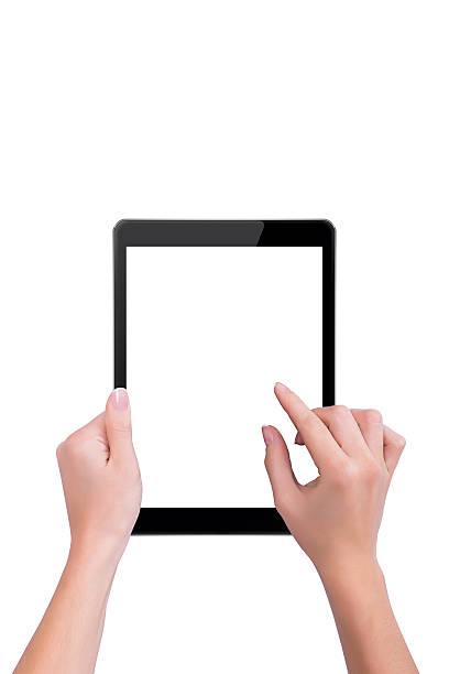 Frau berührt den schwarz tablet – Foto