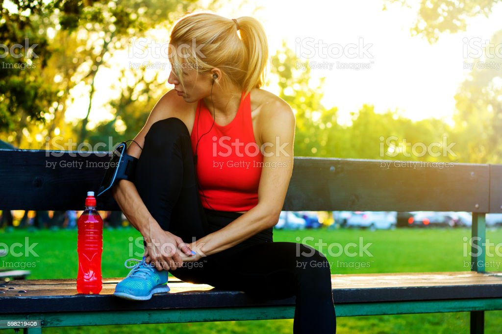 Woman training hard foto royalty-free