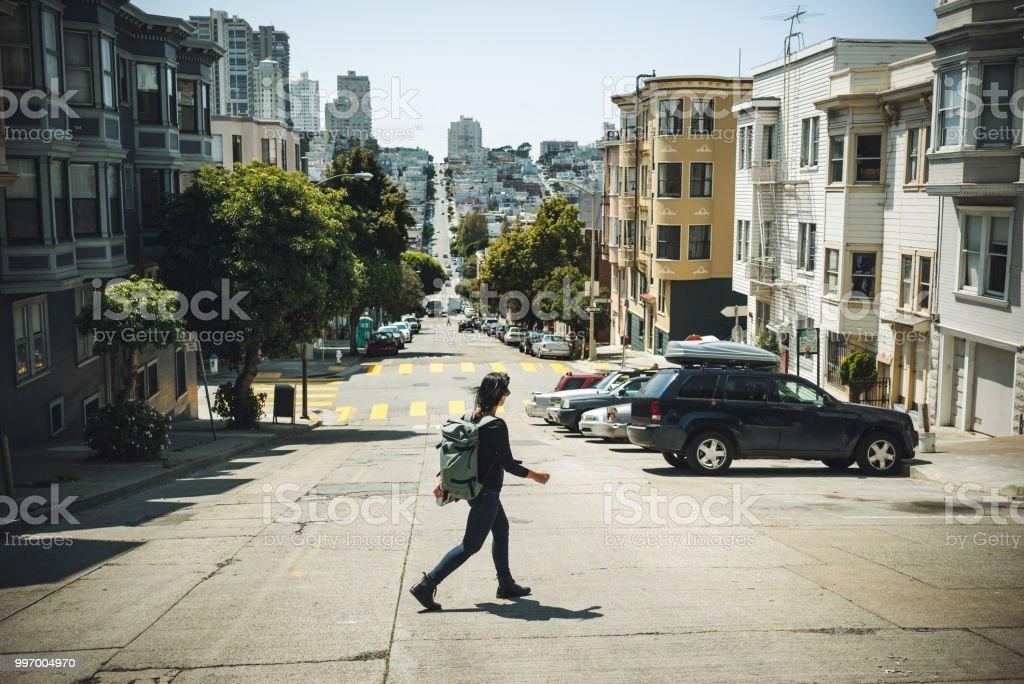 Frau Reisenden in San Francisco – Foto