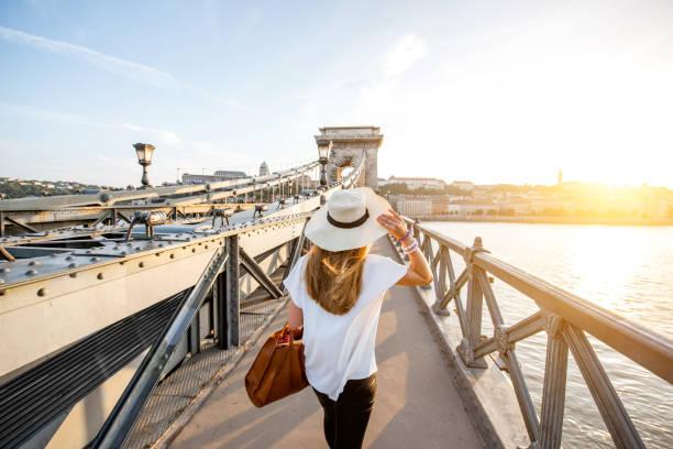 Frau in Budapest Reisen – Foto