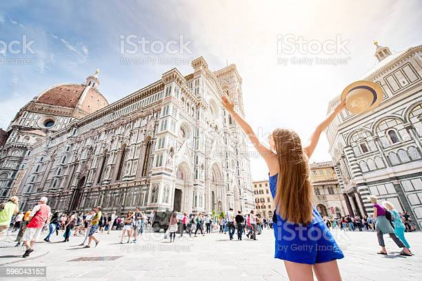 Woman traveling in florence city picture id596043152?b=1&k=6&m=596043152&s=612x612&h=9yd410lanlrvhxn8scwvv08s9vhre9ltfffegzzaes4=