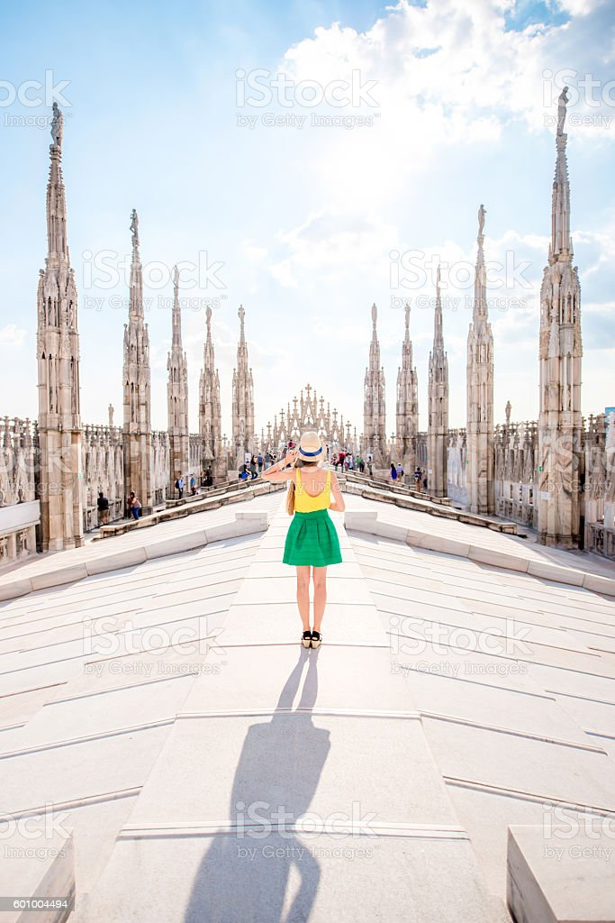 Woman traveling in Milan - Photo