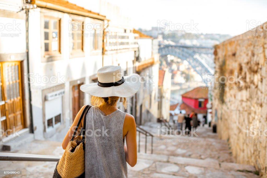 Frau in Porto Stadt reisen – Foto