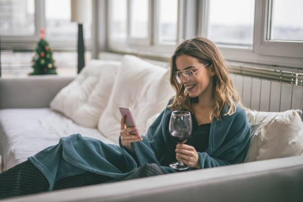 Frau mit Handy – Foto