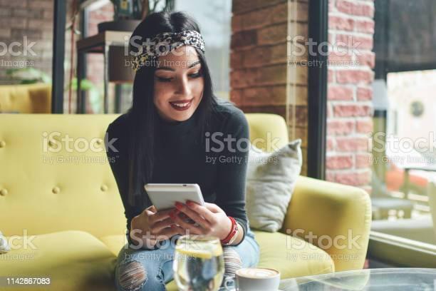 Woman using digital tablet picture id1142867083?b=1&k=6&m=1142867083&s=612x612&h=qieebrd mp j5dqerr5aawxqwbetdqh1op7syuztu80=