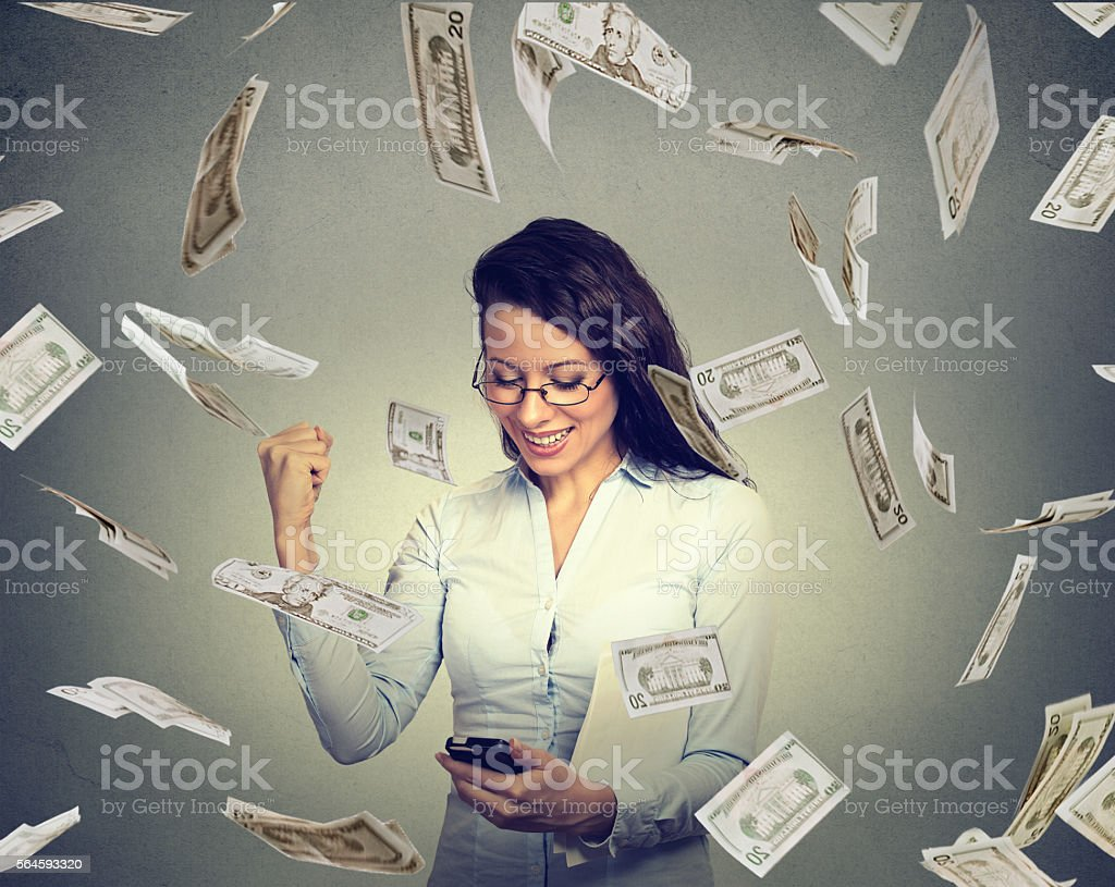 woman using smart phone building online business making money - foto stock