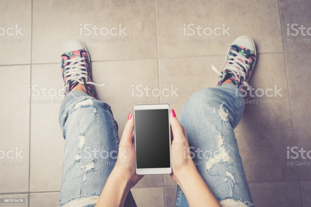 Woman using smart phone. Lizenzfreies stock-foto